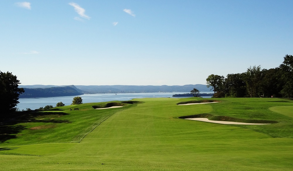 Breath-taking views as you hit towards the Hudson Bay at Sleepy Hollow.